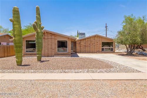 Photo of 9413 E El Cajon Drive, Tucson, AZ 85710 (MLS # 22119115)
