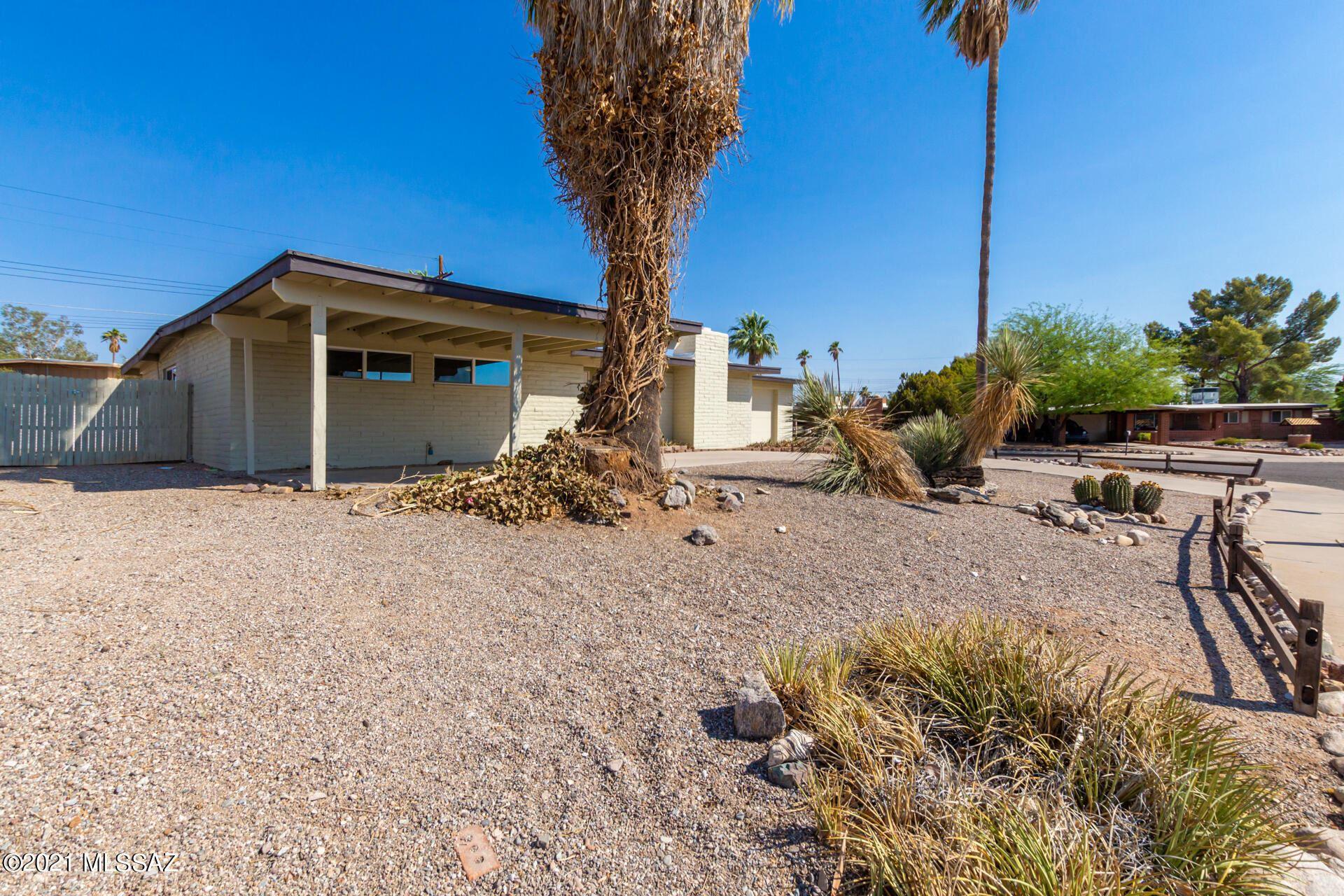 8037 E 18th Place, Tucson, AZ 85710 - MLS#: 22116126