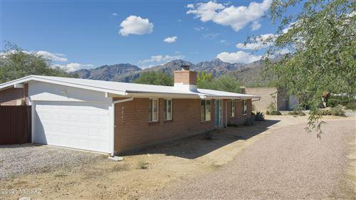 Photo of 4841 N Placita Santolina, Tucson, AZ 85749 (MLS # 22127152)