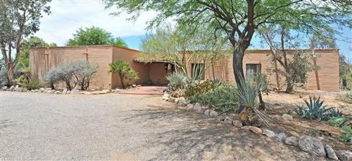 Photo of 5251 N Via Condesa, Tucson, AZ 85718 (MLS # 21918170)