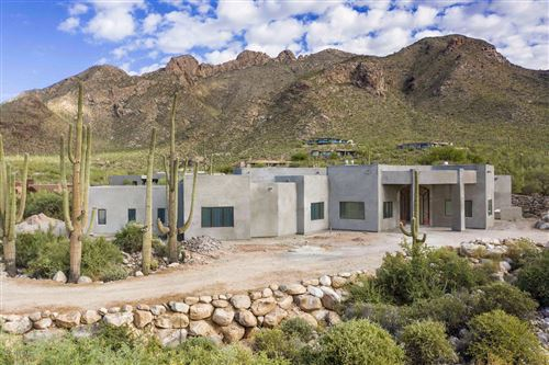 Photo of 7973 N Barrel Cactus Drive, Tucson, AZ 85718 (MLS # 21926176)