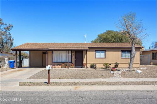 Photo of 3371 S Mormon Drive, Tucson, AZ 85730 (MLS # 22107200)