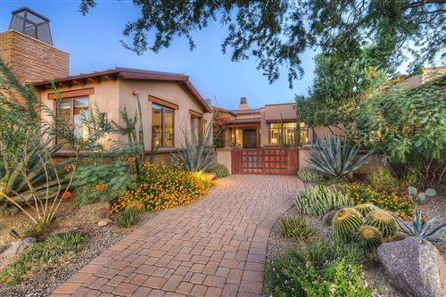 Photo of 6067 Seven Saguaros Circle, Marana, AZ 85658 (MLS # 22108204)