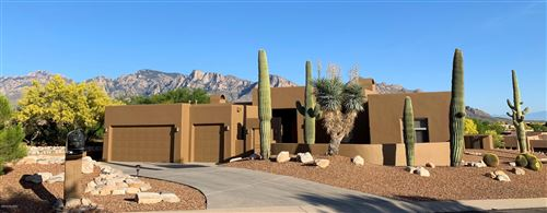 Photo of 12456 N Piping Rock Road, Oro Valley, AZ 85755 (MLS # 21914225)