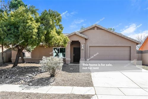 Photo of 9556 E Banbridge Street, Tucson, AZ 85747 (MLS # 21929243)