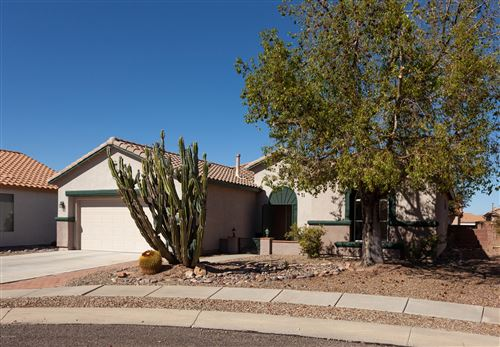 Photo of 7712 W Mission Canyon Place, Tucson, AZ 85743 (MLS # 22027258)