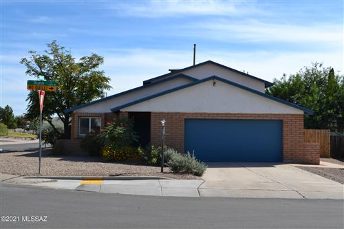 Photo of 4501 W Dunn Place, Tucson, AZ 85741 (MLS # 22127287)