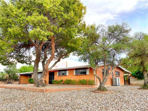 Photo of 7402 E Calle La Vega, Tucson, AZ 85710 (MLS # 22118301)