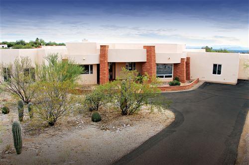 Photo of 6000 E Avenida Arriba, Tucson, AZ 85750 (MLS # 21929309)