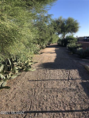 Photo of 400 N Calle De Lumbre, Green Valley, AZ 85614 (MLS # 22126333)