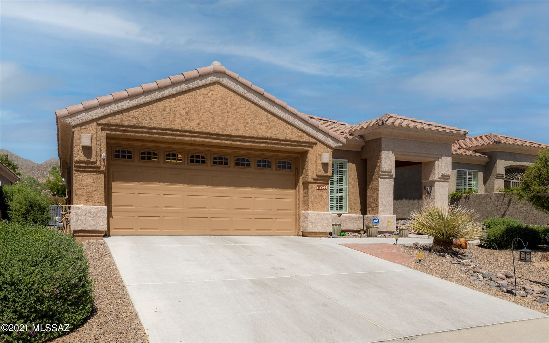 13544 N Buckhorn Cholla Drive, Marana, AZ 85658 - MLS#: 22110381