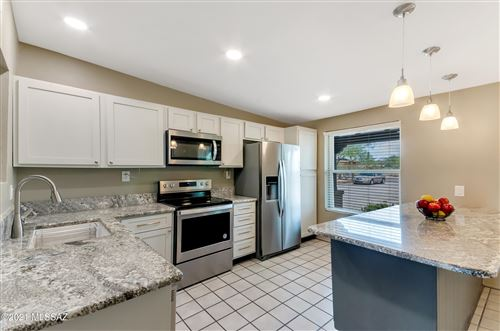 Photo of 3725 N Tres Lomas Place, Tucson, AZ 85749 (MLS # 22118383)