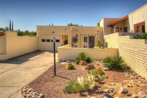 Photo of 2690 S Circulo De Las Lomas, Green Valley, AZ 85622 (MLS # 22127390)