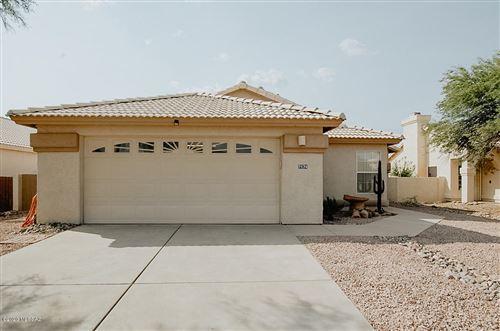 Photo of 7174 W Hunnington Drive, Tucson, AZ 85743 (MLS # 22023428)