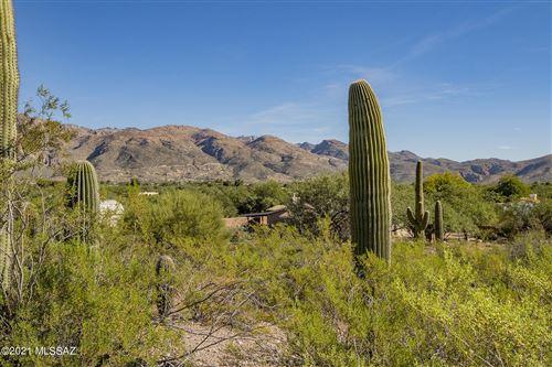 Photo of 10975 E Calle Vaqueros, Tucson, AZ 85749 (MLS # 22127482)
