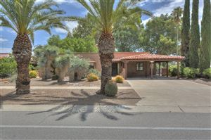 Photo of 374 N Abrego Drive, Green Valley, AZ 85614 (MLS # 21919489)