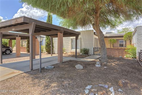 Photo of 321 N CAMINO DEL VATE, Green Valley, AZ 85614 (MLS # 22118521)