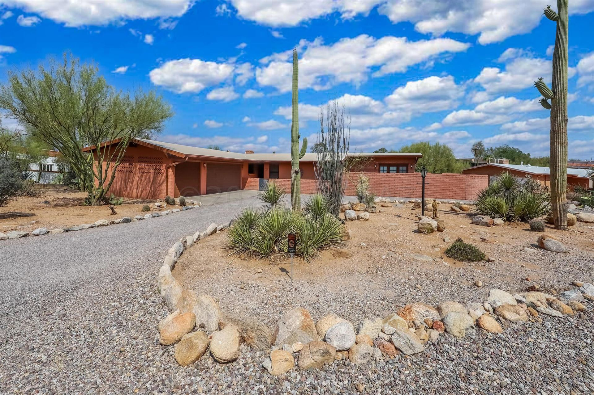 835 E Camino De Fray Marcos, Tucson, AZ 85718 - MLS#: 22115610