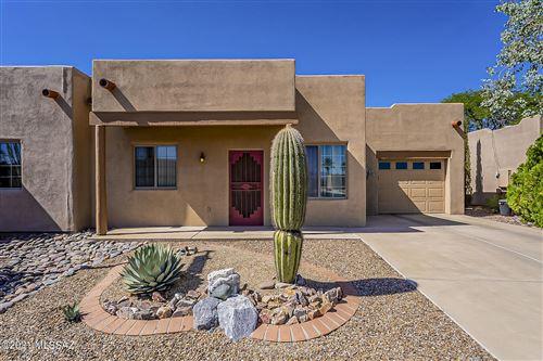 Photo of 3880 S Calle Viva, Green Valley, AZ 85614 (MLS # 22126679)