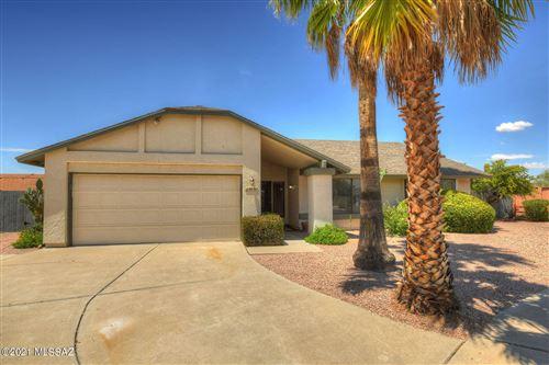 Photo of 9741 N Clela Place, Oro Valley, AZ 85737 (MLS # 22118681)