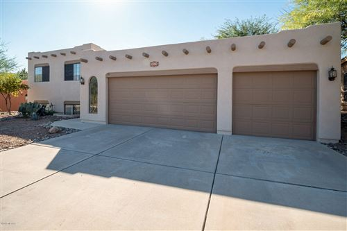 Photo of 12781 N Meadview Way, Oro Valley, AZ 85755 (MLS # 21927693)