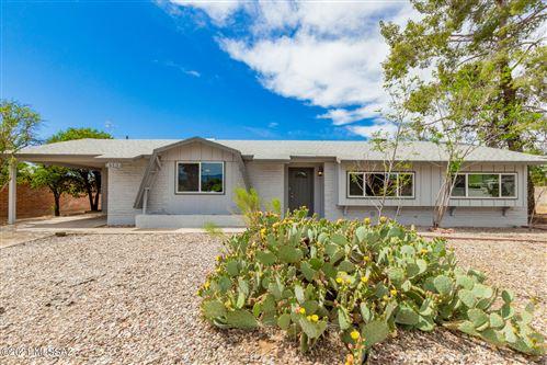 Photo of 8502 E Kent Place, Tucson, AZ 85710 (MLS # 22117712)