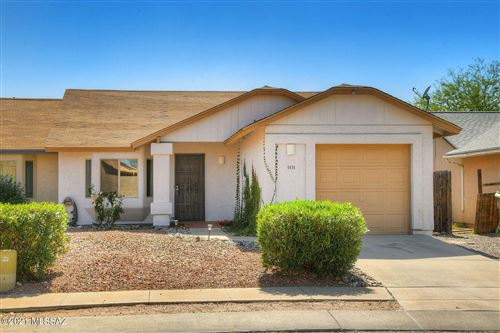 Photo of 4830 S Lincoln Ridge Drive, Tucson, AZ 85730 (MLS # 22109721)