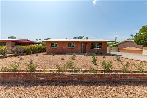 Photo of 1010 E Prince Road, Tucson, AZ 85719 (MLS # 22023730)