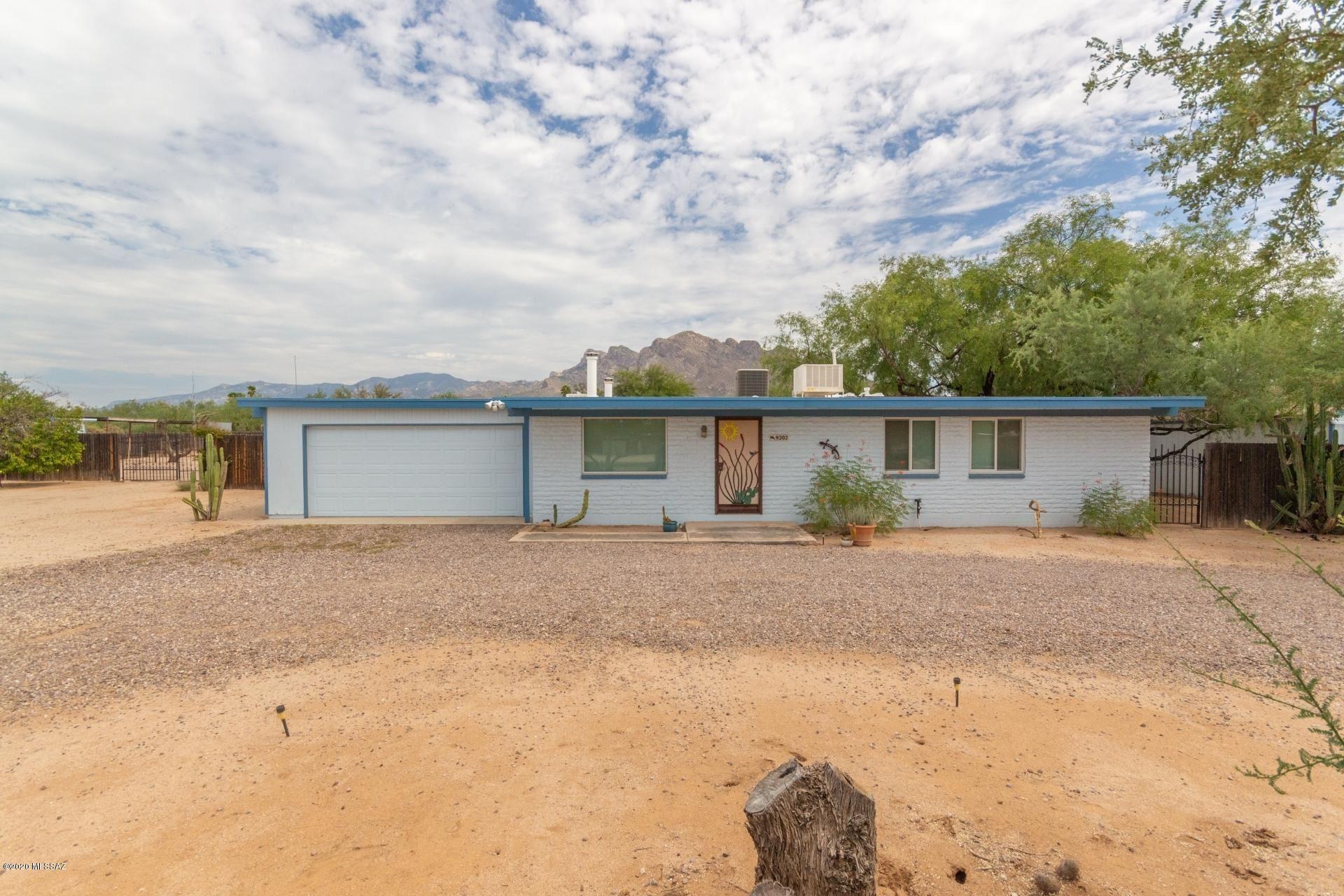9202 N Rancho Verde Drive, Tucson, AZ 85704 - MLS#: 22000764