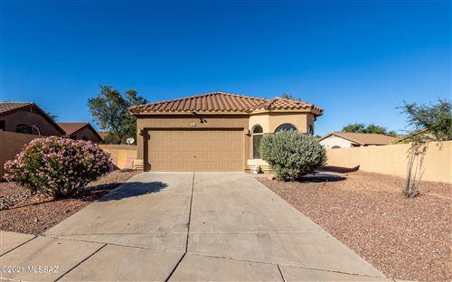 Photo of 425 E Camino Rancho Cielo, Sahuarita, AZ 85629 (MLS # 22127778)