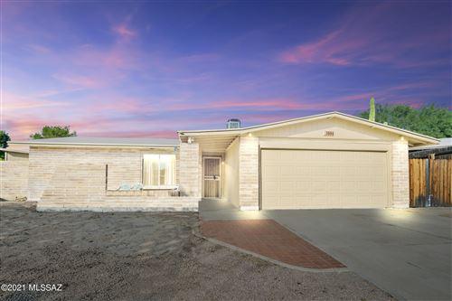 Photo of 3684 W Briargate Drive, Tucson, AZ 85741 (MLS # 22127782)