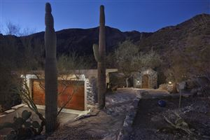 Photo of 6701 N Thimble Pass, Tucson, AZ 85750 (MLS # 21826783)