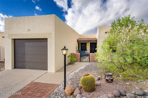 Photo of 717 W Paseo Del Prado, Green Valley, AZ 85614 (MLS # 22126812)