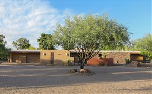 Photo of 460 W Valle Del Oro Road, Oro Valley, AZ 85737 (MLS # 21923817)