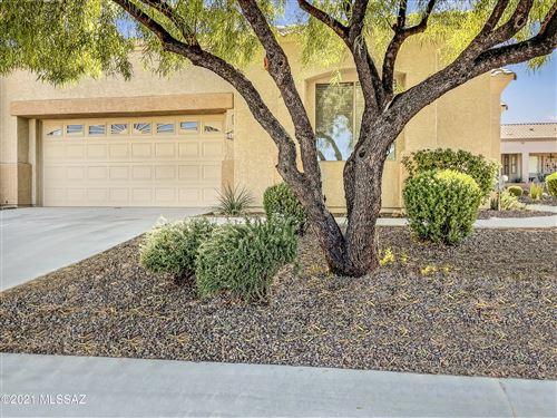 Photo of 511 W Shadow Wood Street, Green Valley, AZ 85614 (MLS # 22127820)