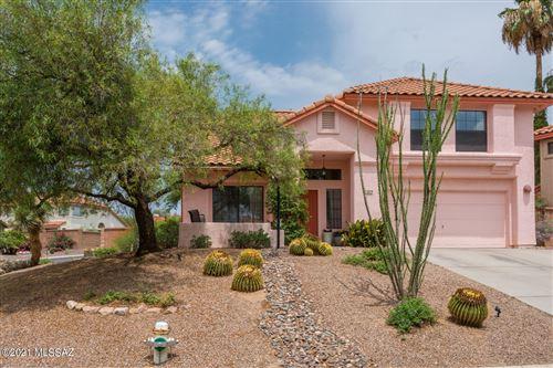 Photo of 1274 W Sandtrap Way, Oro Valley, AZ 85737 (MLS # 22118841)