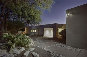 Photo of 6851 N Terra Vista, Tucson, AZ 85750 (MLS # 21922857)