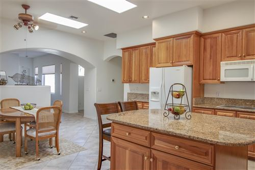 Photo of 9655 N Golden Sun Drive, Tucson, AZ 85737 (MLS # 21922879)