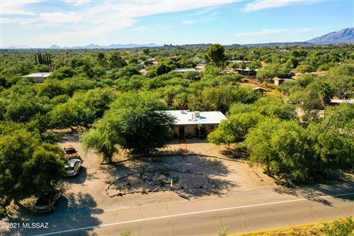 Photo of 2825 N Conestoga Avenue, Tucson, AZ 85749 (MLS # 22126882)