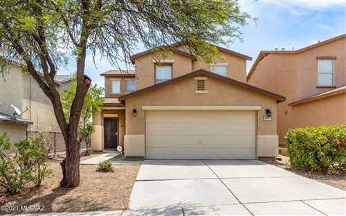 Photo of 2333 S McConnell Drive, Tucson, AZ 85710 (MLS # 22118885)