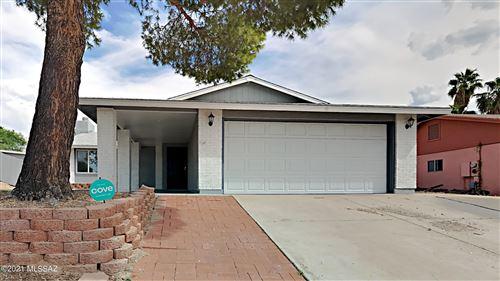 Photo of 7416 N Shirley Lane, Tucson, AZ 85741 (MLS # 22125886)