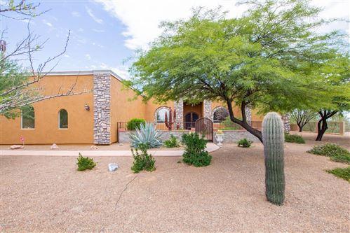 Photo of 10390 N Derrio Canyon Place, Oro Valley, AZ 85742 (MLS # 22017901)