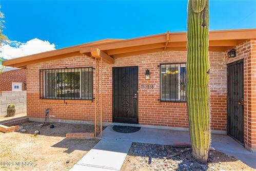 Photo of 2556 N Tyndall Avenue, Tucson, AZ 85719 (MLS # 22116908)
