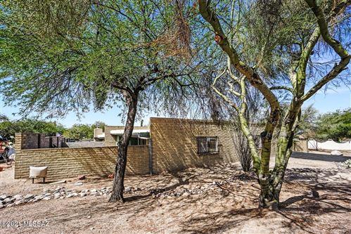 Photo of 8373 N Mesquite Shadows Drive, Tucson, AZ 85704 (MLS # 22117928)