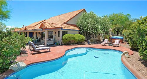 Photo of 11170 N Broadstone Drive, Oro Valley, AZ 85737 (MLS # 22118933)