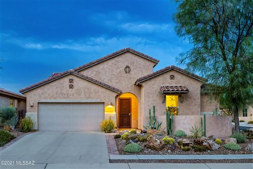 Photo of 329 E Painted Pottery Place, Oro Valley, AZ 85755 (MLS # 22118985)