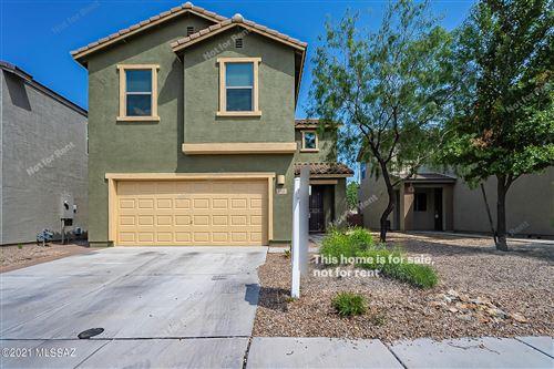 Photo of 688 N Highlands Grove Lane, Sahuarita, AZ 85629 (MLS # 22123987)