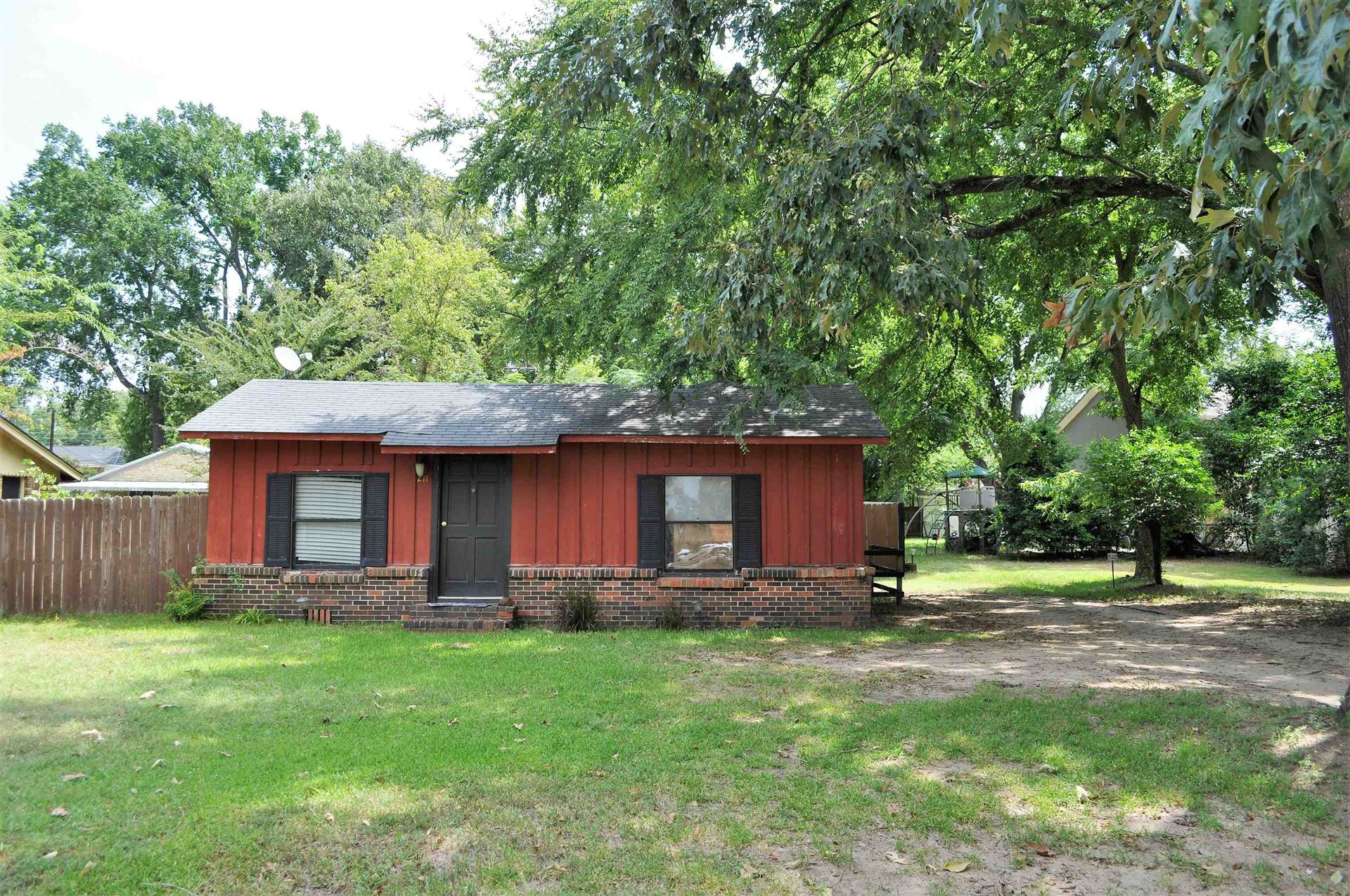 211 College, Lindale, TX 75771 - #: 10139243