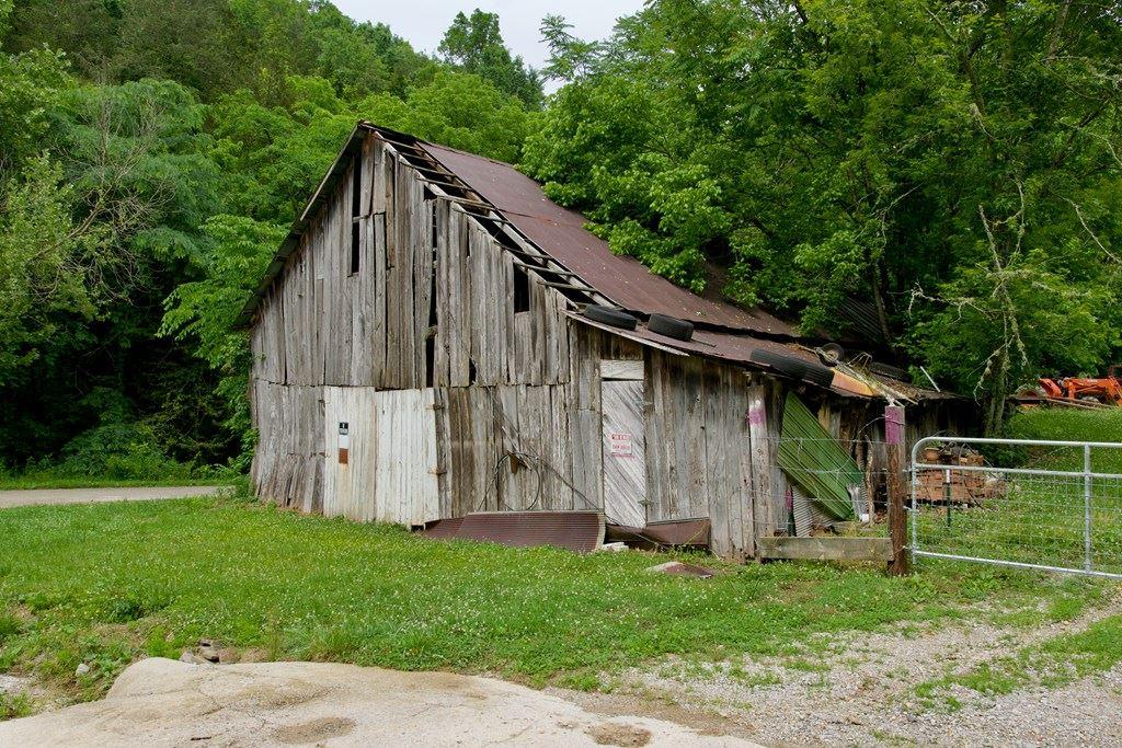 Photo of 13604 NW Indian Creek Rd, Baxter, TN 38544 (MLS # 205013)