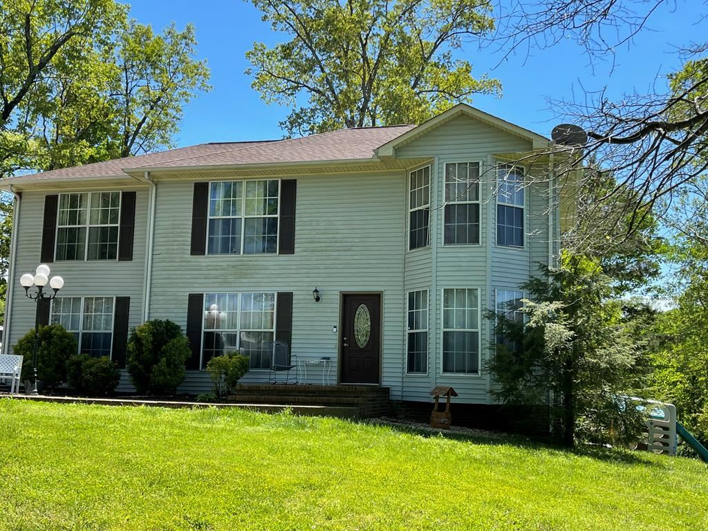Photo of 2181 FIESTA DR, COOKEVILLE, TN 38501-4449 (MLS # 204136)